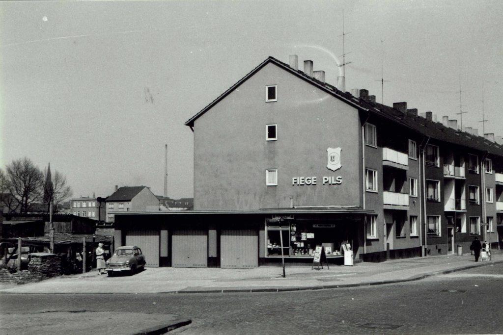 Kiosk Bochum. Ca. 60er Jahre. Retusch.